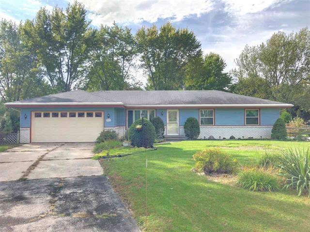 4014 Straw Lane, Roscoe, IL 61073 (MLS #10167911) :: HomesForSale123.com