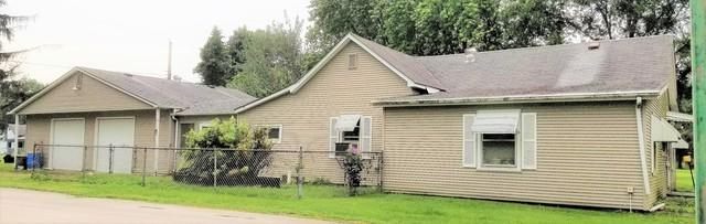 300 W 14th Street, GEORGETOWN, IL 61846 (MLS #10168107) :: The Wexler Group at Keller Williams Preferred Realty