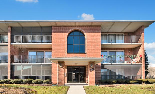 5033 W Circle Drive #102, Crestwood, IL 60418 (MLS #10168189) :: The Wexler Group at Keller Williams Preferred Realty