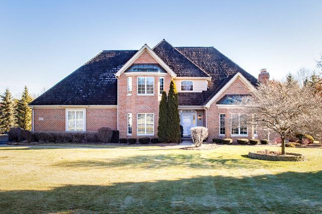 6104 Hazelwood Drive, Crystal Lake, IL 60012 (MLS #10168224) :: Lewke Partners