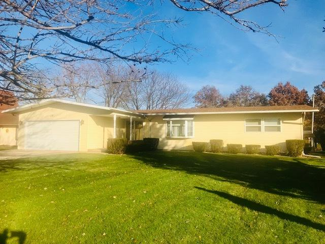 118 W Hislop Drive, Cissna Park, IL 60924 (MLS #10169127) :: Ryan Dallas Real Estate