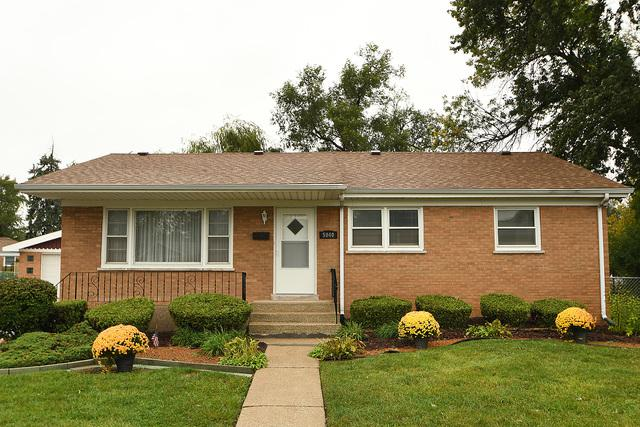 5940 107th Place, Chicago Ridge, IL 60415 (MLS #10169389) :: The Jacobs Group