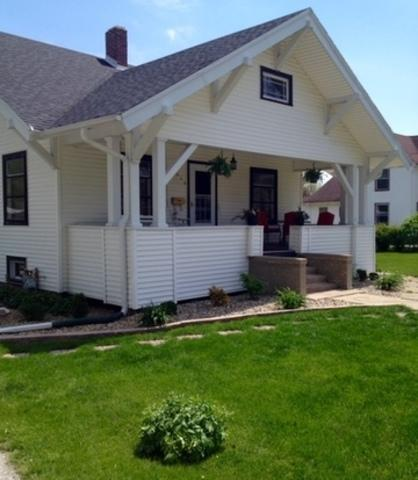 432 S 6th Street, Watseka, IL 60970 (MLS #10170428) :: The Dena Furlow Team - Keller Williams Realty
