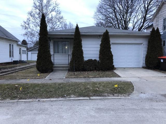 208 W Water Street, Farmer City, IL 61842 (MLS #10171437) :: Ryan Dallas Real Estate