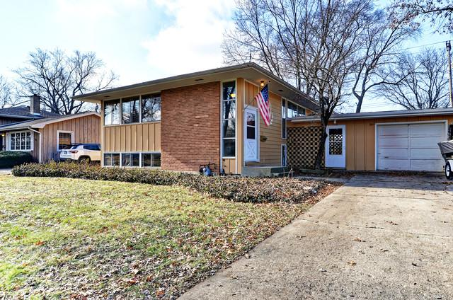 909 Emerald Drive, Naperville, IL 60540 (MLS #10171543) :: Baz Realty Network | Keller Williams Preferred Realty