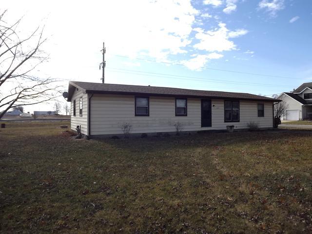 127 Gray Drive, Gilman, IL 60938 (MLS #10171756) :: Domain Realty