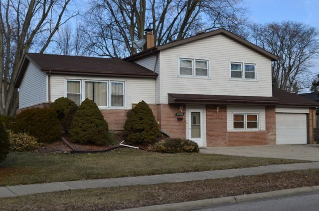 8900 Forest Lane, Hickory Hills, IL 60457 (MLS #10172517) :: The Wexler Group at Keller Williams Preferred Realty