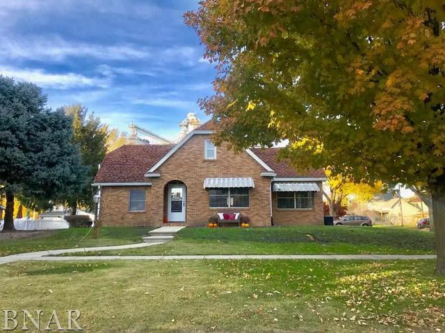 Fairbury, IL 61739 :: Berkshire Hathaway HomeServices Snyder Real Estate