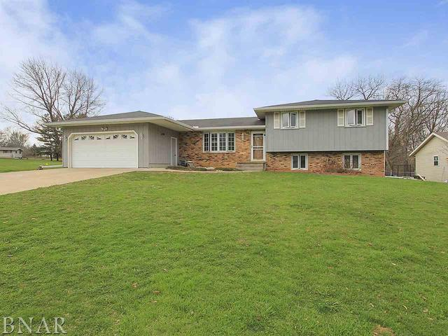 17 Yorkshire, Mackinaw, IL 61755 (MLS #10247473) :: Janet Jurich Realty Group
