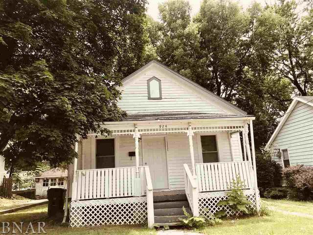 924 W Grove, Bloomington, IL 61701 (MLS #10247493) :: The Dena Furlow Team - Keller Williams Realty