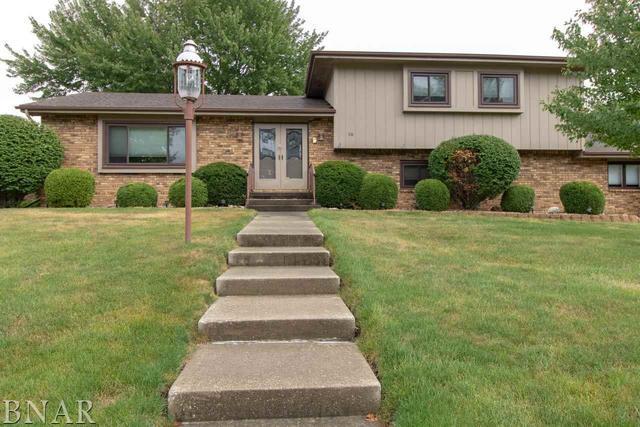 10 Canterbury, Bloomington, IL 61701 (MLS #10247531) :: HomesForSale123.com