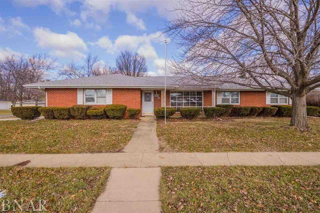 1100 Vernon, Normal, IL 61761 (MLS #10247647) :: Lewke Partners