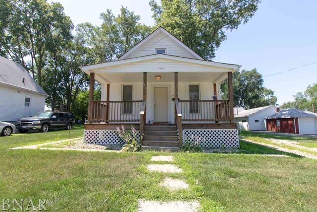 1410 W Olive, Bloomington, IL 61701 (MLS #10247661) :: The Dena Furlow Team - Keller Williams Realty