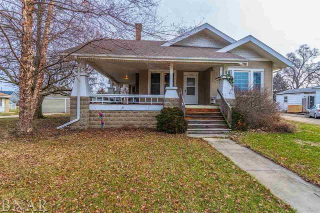 708 S Locust Street, Delavan, IL 61734 (MLS #10247691) :: Baz Realty Network | Keller Williams Preferred Realty