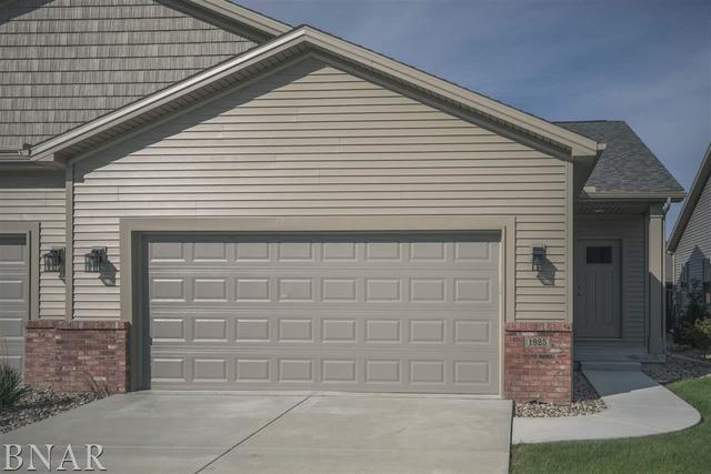 1925 Glenbridge, Bloomington, IL 61704 (MLS #10247836) :: Berkshire Hathaway HomeServices Snyder Real Estate