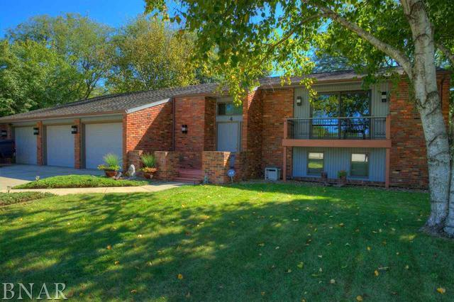 4 London Court, Bloomington, IL 61704 (MLS #10247971) :: Berkshire Hathaway HomeServices Snyder Real Estate