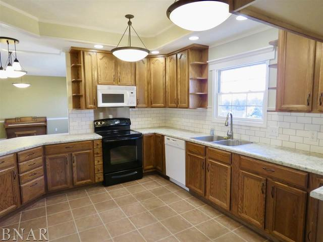 216 Dasher Drive, HEYWORTH, IL 61745 (MLS #10248010) :: Berkshire Hathaway HomeServices Snyder Real Estate