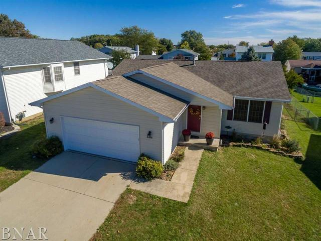 2720 Essington, Bloomington, IL 61705 (MLS #10248344) :: Janet Jurich Realty Group