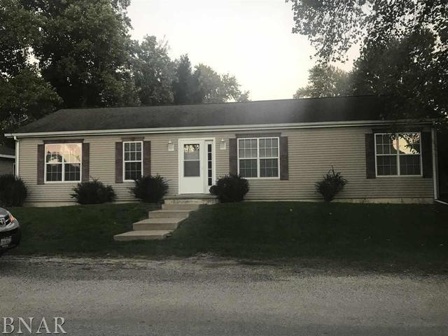 301 N Grove Street, Colfax, IL 61728 (MLS #10248359) :: Berkshire Hathaway HomeServices Snyder Real Estate
