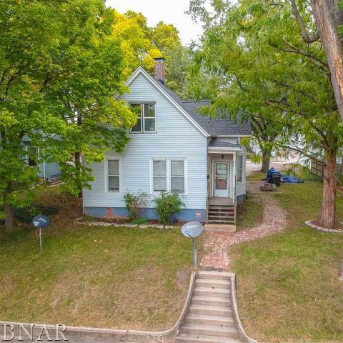1107 W Olive Street, Bloomington, IL 61701 (MLS #10248723) :: Baz Realty Network | Keller Williams Preferred Realty