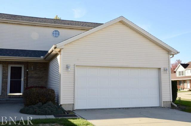 1321 Beacon Hill, Normal, IL 61761 (MLS #10248734) :: Berkshire Hathaway HomeServices Snyder Real Estate