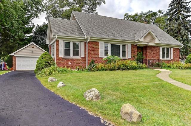332 W Green Street, Bensenville, IL 60106 (MLS #10248907) :: Baz Realty Network | Keller Williams Preferred Realty