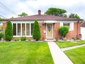 4301 Maple Avenue, Brookfield, IL 60513 (MLS #10249047) :: The Wexler Group at Keller Williams Preferred Realty