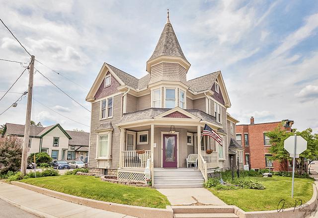 202 W South Street, Woodstock, IL 60098 (MLS #10249160) :: Lewke Partners