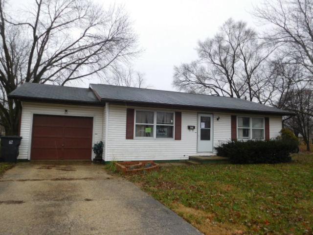 301 Wilson Avenue, VILLA GROVE, IL 61956 (MLS #10249305) :: Ryan Dallas Real Estate