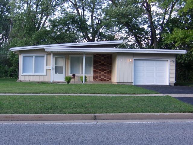 322 Sauk Trail Street, Park Forest, IL 60466 (MLS #10249404) :: The Wexler Group at Keller Williams Preferred Realty