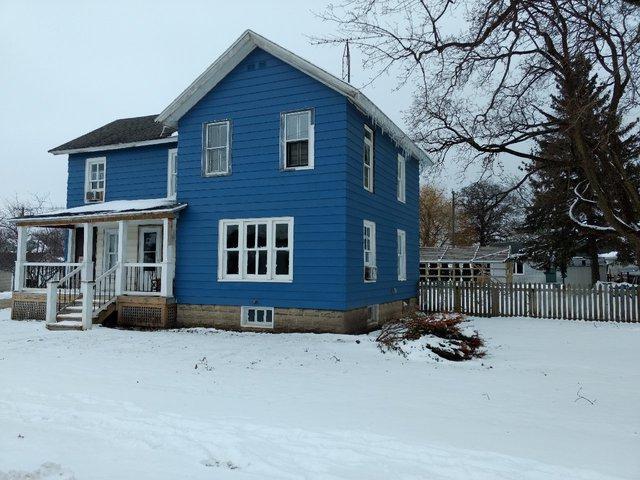 107 E Comanche Avenue, Shabbona, IL 60550 (MLS #10249855) :: Domain Realty