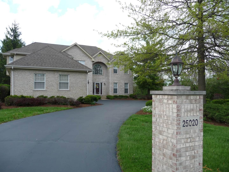 25020 N Abbey Glenn Drive, Hawthorn Woods, IL 60047 (MLS #10250038) :: Helen Oliveri Real Estate