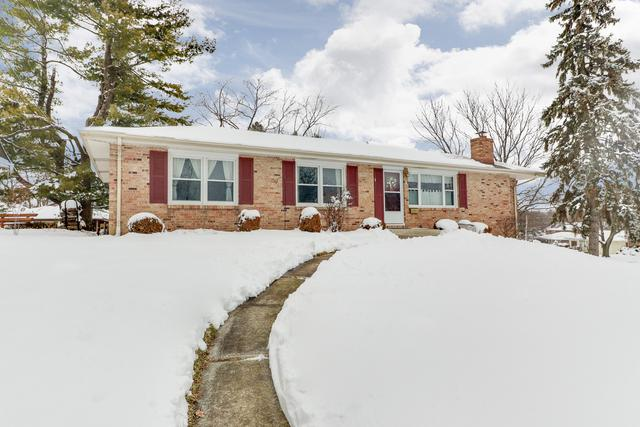 1 Hawthorne Drive, Normal, IL 61761 (MLS #10250403) :: Helen Oliveri Real Estate