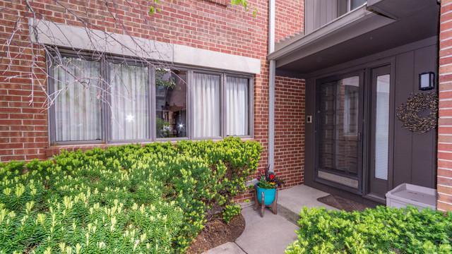 49 Park Lane, Park Ridge, IL 60068 (MLS #10251020) :: T2K Properties