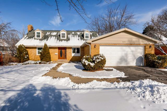 902 E Main Street, Barrington, IL 60010 (MLS #10251337) :: The Jacobs Group