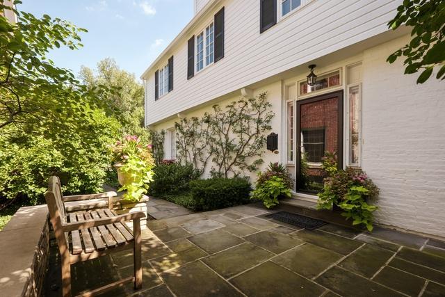 2011 Beechwood Avenue, Wilmette, IL 60091 (MLS #10252004) :: Helen Oliveri Real Estate