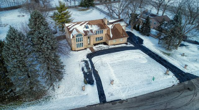 27763 N Lakeview Circle, Wauconda, IL 60084 (MLS #10252063) :: John Lyons Real Estate