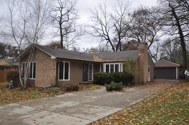 2304 N Barrington Woods Road, Palatine, IL 60074 (MLS #10252324) :: Helen Oliveri Real Estate
