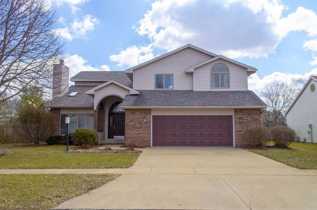 2503 Waterbury Place, Champaign, IL 61822 (MLS #10252537) :: Ryan Dallas Real Estate