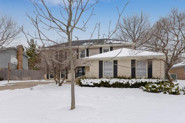 920 Summit Drive, Deerfield, IL 60015 (MLS #10252693) :: T2K Properties