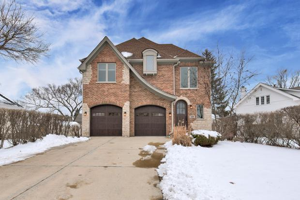 189 E May Street, Elmhurst, IL 60126 (MLS #10252728) :: Ani Real Estate