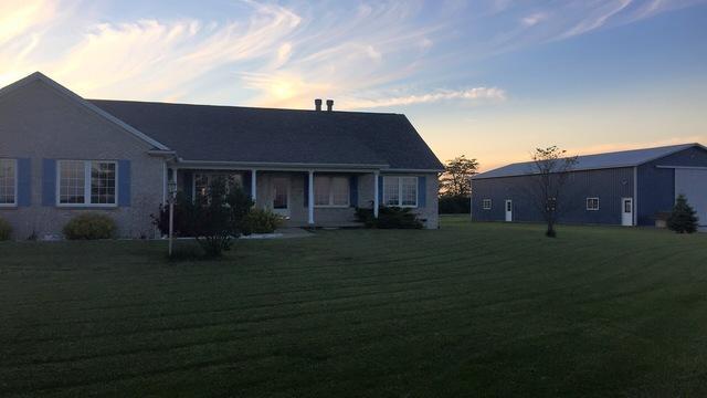 1106 E Cr 800 N Road, Tuscola, IL 61953 (MLS #10252879) :: Ani Real Estate