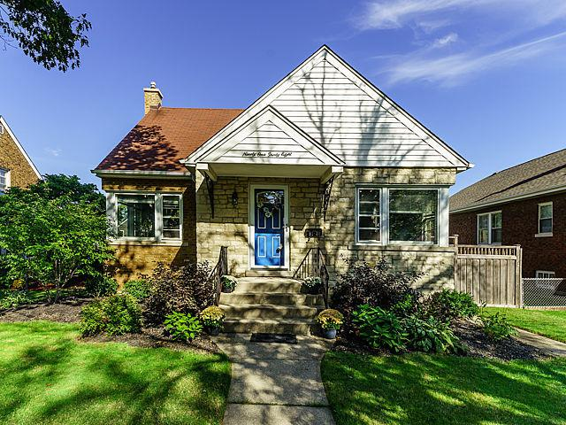 9138 Grant Avenue, Brookfield, IL 60513 (MLS #10253345) :: The Wexler Group at Keller Williams Preferred Realty