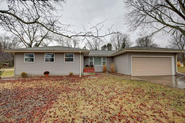 302 Pershing Court E, PHILO, IL 61864 (MLS #10253663) :: Littlefield Group