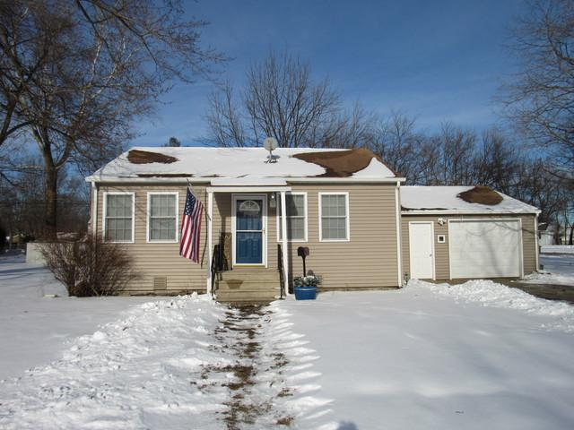 512 N Circle Drive, Wilmington, IL 60481 (MLS #10254157) :: Jacqui Miller Homes