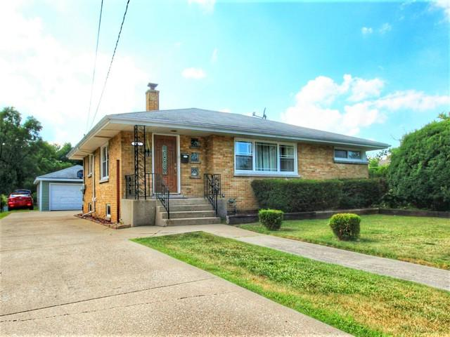 2940 Alta Street, Melrose Park, IL 60164 (MLS #10255089) :: Baz Realty Network | Keller Williams Preferred Realty