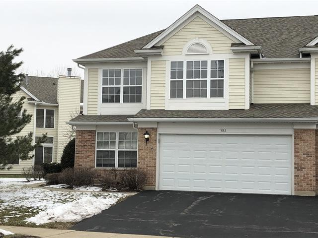 982 Huntington Drive, Elk Grove Village, IL 60007 (MLS #10255135) :: Leigh Marcus | @properties