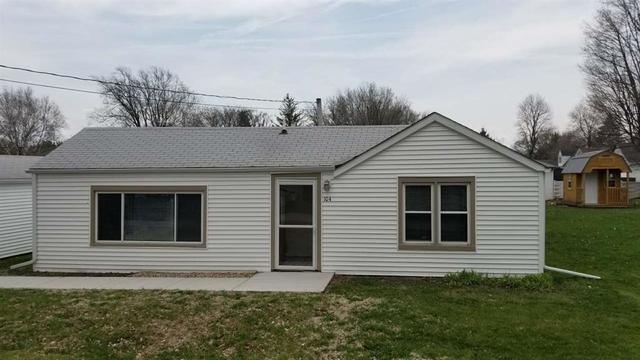 104 W School Street, Winnebago, IL 61088 (MLS #10255695) :: Baz Realty Network   Keller Williams Preferred Realty