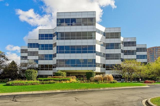 1 Transam Plaza Drive, Oakbrook Terrace, IL 60181 (MLS #10255890) :: Baz Realty Network | Keller Williams Preferred Realty