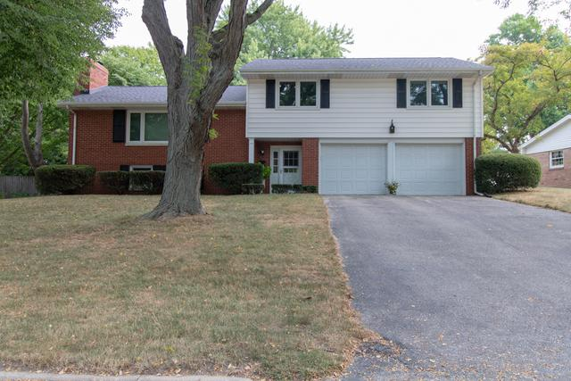 206 Parkview Drive, Bloomington, IL 61701 (MLS #10256501) :: Janet Jurich Realty Group